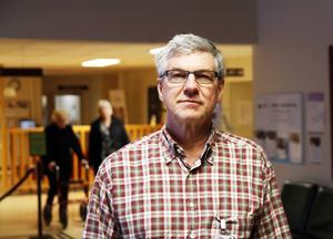 Smittskyddsläkaren Hans Boman vid Sundsvalls sjukhus uppmanar alla som tillhör en riskgrupp att vaccinera sig.