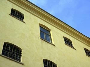 I cellen bakom det stora fönstret i mitten satt Göran Löf under en av vistelserna på gamla fängelset i Gävle.