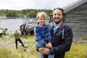 Stridsbåten var höjdpunkten tyckte André Karlsson och sonen Knut.