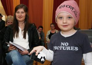 Totalsegraren Helin Bäckman Kartal, till vänster, och 4-årige Linde Johnson som segrade i barnklassen. Foto: HG Eriksson