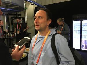 Simon Stone, BBC:s fotbollsreporter, pratar med Sporten om