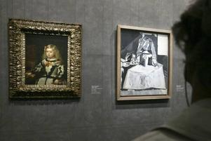 Två mästare. Diego Vélasquez kända porträtt av prinsessan Margarita (1653) sida vid sida med Picassos tolkning från 1957 på Grand Palais i Paris.Foto: Jacques Brinon/AP/Scanpix