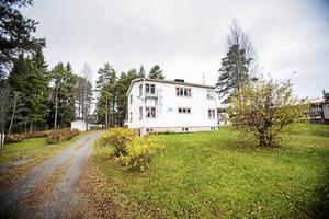 I 13 år har PRO haft sin verksamhet i Stensmovillan. Men en så hög hyreshöjning som 300 procent det klarar föreningen inte av säger ordförande Kerstin Karlsson.