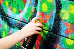 På grafittiplanket fick alla färger plats. Foto: Pia Enocson