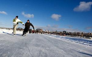 Medvinden på Storsjöns is står sig bra i konkurrens med till exempel Rockefeller Centers isbana i New York enligt resesidan escape360.com. Foto: Håkan Luthman