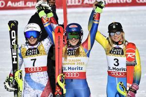 Wendy Holdener, silver, Mikkaela Shiffrin, guld och Frida Hansdotter brons