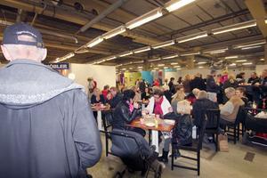 Klockan 15:00 hade över 2 100 personer klockats in. Och det var riktigt mycket folk under hela dagen.
