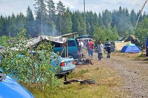 Lägret vid Untrakilen utanför Mehedeby har växt ordentligt på ett par veckor. Nu bor här engigt uppgift från dem själva 300-400 bärplockare.