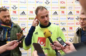 Andreas Granqvist vid torsdagens presskonferens inför lördagens VM-kvalmatch mot Luxemburg.