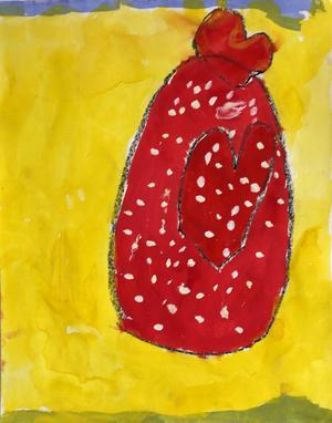 """Totalsegrare i Påsk i färg 2014. Av Joline Skogsäter, 6 år, Östersund.         JURYNS MOTIVERING: """"Den där, sa vi i juryn ofta under urvalet av bilderna, den där är det något visst med. Vi blev så glada så fort vi tittade på den. Det gula mot det röda, kompositionen av ägget som liksom svävar omkring i påskens ljus. Juryn tog Jolines bild till sina hjärtan. Mitt i påsk-pricken!"""""""