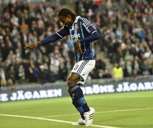 Förre Härnösandsspelaren Sam Johnson inledde målskyttet i Stockholmsderbyt.