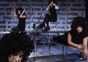 "Etnoporr. Sabina Hormmuz, Sheraye Esfandyari, Marika Holmström och Bahareh Razekh Ahmadi I America Vera-Zavalas ""Etnoporr"", i regi av Mellika Melani."