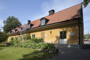 Oenigheten kring Roslagsmuseet gäller flera frågor, bland annat museets framtida verksamhet och hur det gamla gevärsfaktoriet ska användas. Foto: Stig-Göran Nilsson