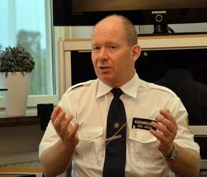 Mats Jansson, räddningschef på Södra Dalarnas räddningstjänstförbund, tycker att det är för tidigt att säga att korsningen riksväg 68 och Axel Johnsons väg är farlig.