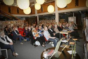Litteraturfestival. Författarpresentationer och uppläsningar hölls i Ljushallen på lördagen.