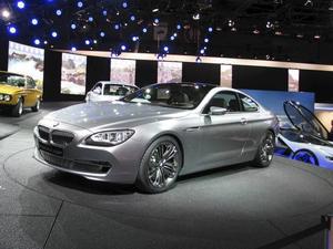 Stora kupémodeller ska det vara, åtminstone hos prestigemärkena Mercedes, Audi och BMW. Detta är BMW 6-serie kupé, som premiärvisades i Paris.