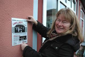 FÖRVÄNTANSFULL. Eva Sjölander från Ockelbo amatörteaterförening hoppas på många besökare till årets revy på Gotan.