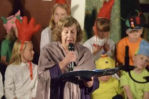 Föreställningens recitatör var Ingrid Öberg Hägg.