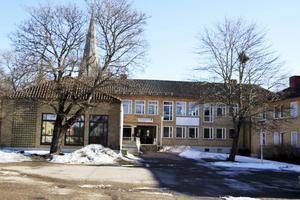 Det är i byggnaden till höger som asylboendet planeras.