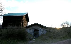 Eva vill att många ska kunna bo på gården. Härbret kommer att bli sommarbostad som kan hyras ut.