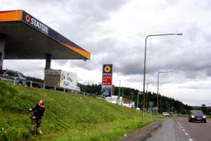Statoil Gärde har plötsligt fått många fler kunder. E4 går numera utanför deras dörr. Ett lyft för affärerna.