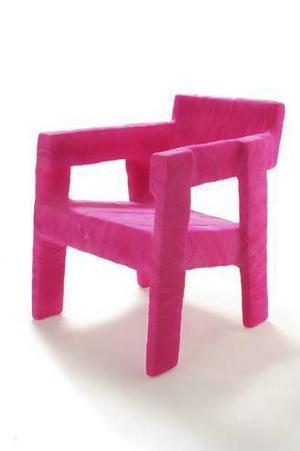 Fracture Seat, en lätt fåtölj designad av Ineke Hans från Nederländerna som var Guest of Honour Furniture Fair.