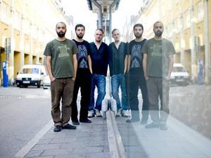Junip är: Tobias Winterkorn, Elias Araya och den kritikerrosade gitarristen José González. Gänget har spelat tillsammans sedan 90-talet. Nu kommer debutalbumet.