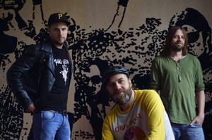 Elvamannabandet Hoffmaestro, här representerade av Jens Malmlöf, Karl-Uno Lindgren och John Lindgren.