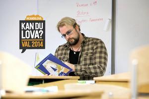 Micke Mojo Nilsson jobbar själv som lärare.