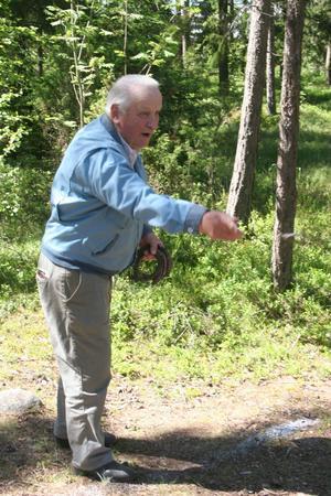 Valfrid Engström visade god träffsäkerhet när han testade hästskokastning.