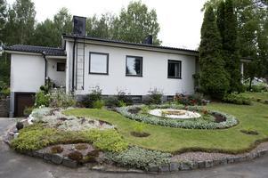 Elin Westmans trädgård innehåller färger och former.