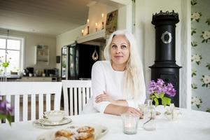 HelenaTjärnström driver webbutiken Helenas Hem där hon säljer inredning ochfestdekorationer.