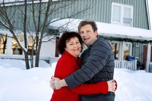 17 år i Örnsköldsvik fick räcka för Magnus Aasa, hans hustru, Birgitta, och deras barn, Amanda, Benjamin och Elina, som nu flyttar till Halmstad.