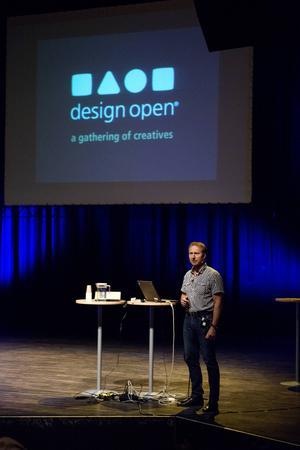Mikael Marklund inleder kickoffen för Design Open 2015.