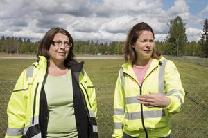 Malin Delin som är dricksvattenstrateg och Lena Blad som är teknik- och utvecklingschef ska undersöka hur stor och hur känslig vattentäkten är.