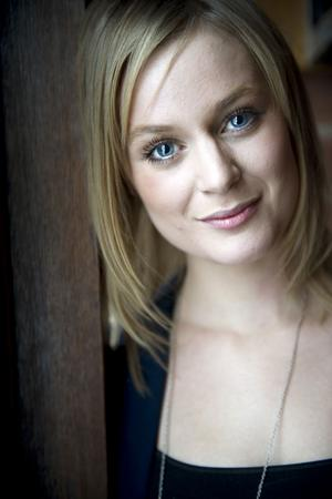 Ida Högberg spelar Stig-Helmers stora kärlek i nya Lasse Åberg-filmen.