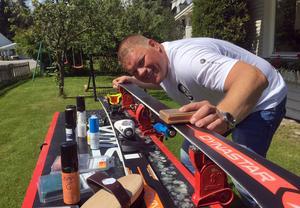 Kenneth Svelander är av personerna bakom företaget Toppglid som ska sälja tyska skidvallan Zipps i Sverige.