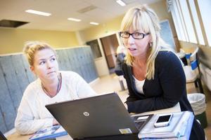Jenny Dahlström och Anette Nordlander jobbar som grundskollärare i Stigslund. Båda tog chansen att fortbilda sig när satsningen Lärarlyftet I var aktuell.– Allt beror på förutsättningarna. Jag hade tur – efter halva min utbildning fick jag läsa med full lön, säger Jenny Dahlström som valde att studera specialpedagogik.