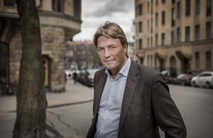 Thomas Bodström har tillsammans med Lars Olof Lampers skrivit boken