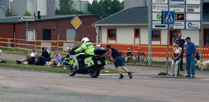 POLISEN har sparkrav, behöver extra skjutkraft.Det var nog mera problem med att få igång motorcykeln som orsakade detta behov med påskjutning.