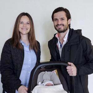 Prinsessan Sofia, Prins Carl Philip och Sveriges senaste kungliga tillskott.
