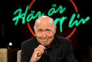 Ingvar Oldsberg är en av Sveriges mest meriterade programledare. Nu tar han över Lasse Holmqvists paradprogram
