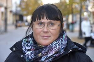 Camilla Antonsson, 46 år, butikssäljare, Sundsbruk:– Det har jag ingen aning om. Jag är en av dem som inte har gjort något val av PPM-fonder.