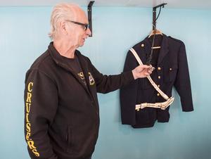 Rune Öberg skulle vilja att ordningsvakterna den här gamla uniformen.
