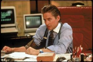 Bildtext 5: Finns bara en Gordon Gekko: Michael Douglas som mannen som skapade en hel generation börsmäklare - och deras kotlettfrisyr.Foto: Fox