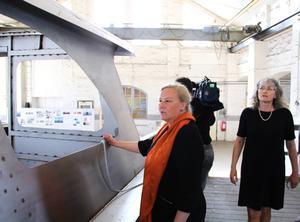 I april 2014 var dåvarande handelsministern Ewa Björling (M) i Gävle och fick då se båten som visades av Petra Rosén, till höger.