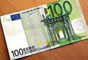 De falska sedlarna är bra gjorda men har bland annat glattare papper och saknar relieftryck.\nFoto: NICK BLACKMON