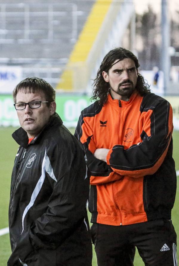 Ben Smith, till vänster, lämnar Ytterhogdal för att träna ett annat division 3-lag, IFK Östersund, nästa säsong. Här med parhästen senaste åren Brian Wake, som kommer att ta över som tränare för Ytterhogdal.