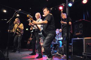 The Trouble Boys med Steve Gibbons satte verkligen fart på publiken.