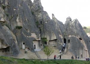 En del av Kappadokiens forna bostadsområde, Vissa formationer såg ut som enfamiljshus, Återresan gick genom Taurusbergen vackra dalar